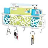 mDesign Schlüsselbrett mit Ablage – wandmontiertes Schlüsselboard aus Metall für Eingangsbereich, Küche und Büro – mit fünf Haken und Briefablage für Post – mattweiß
