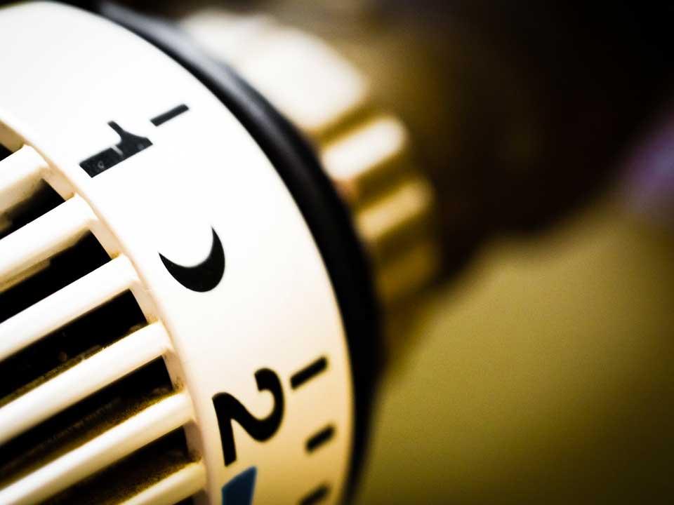 Thermostat zum regulieren der Temperatur