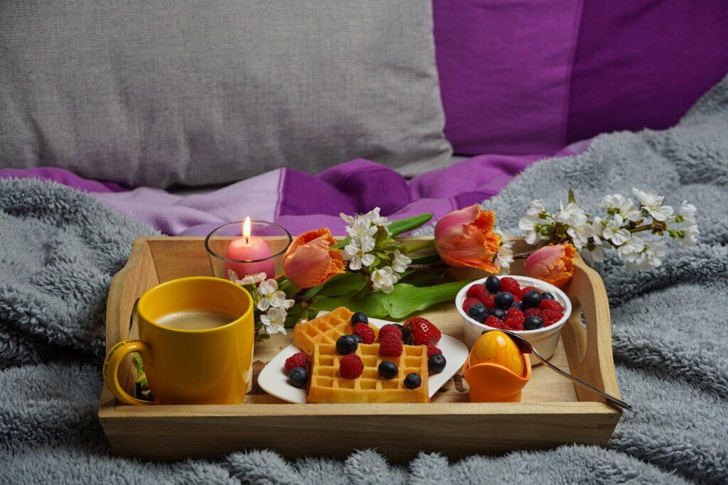 Biber-Bettwaesche Fruehstueck im Bett