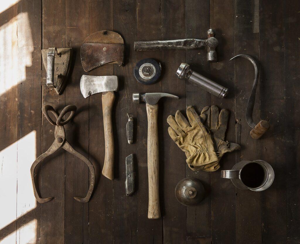 Hakenleiste Werkzeug sortieren