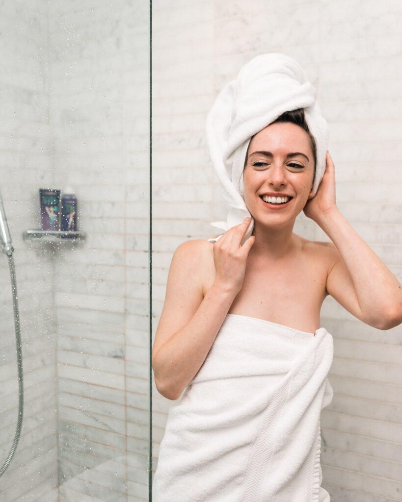 Bei Duschregeln gibt es eine breit aufgestellte Palette an Materialien.