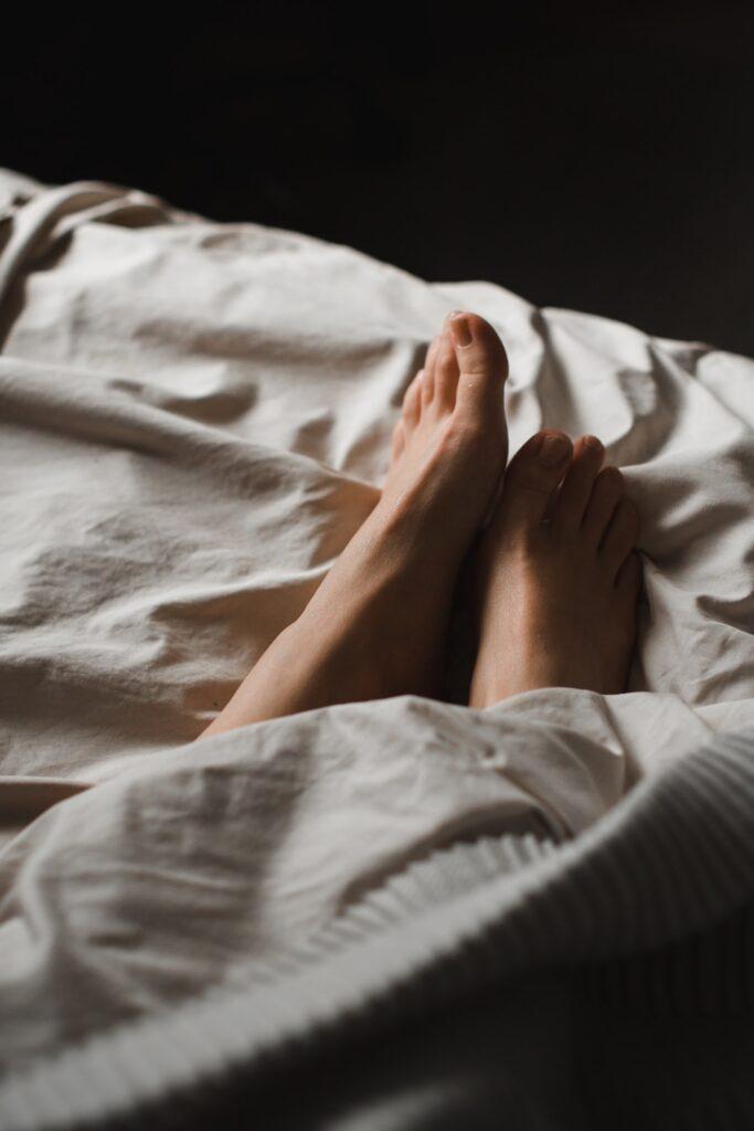 Elektrische Fußwärmer sind perfekt für Dich, wenn Deine Füße auch im Haus nicht warm werden wollen und Du etwas dagegen machen möchtest